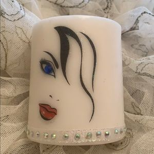 HANDCRAFTED CANDLE